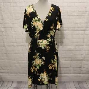 SALE! 🛍NWT F21 | Yellow Floral Print Black Dress